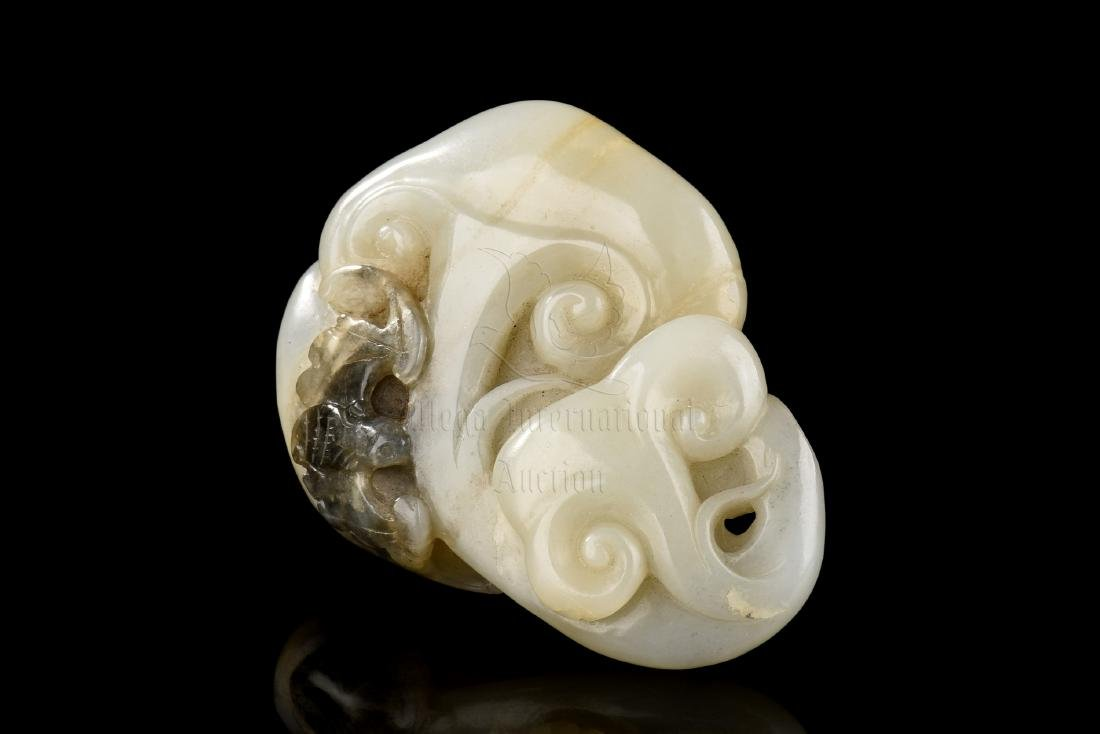 JADE CARVED 'LINGZHI' ORNAMENT
