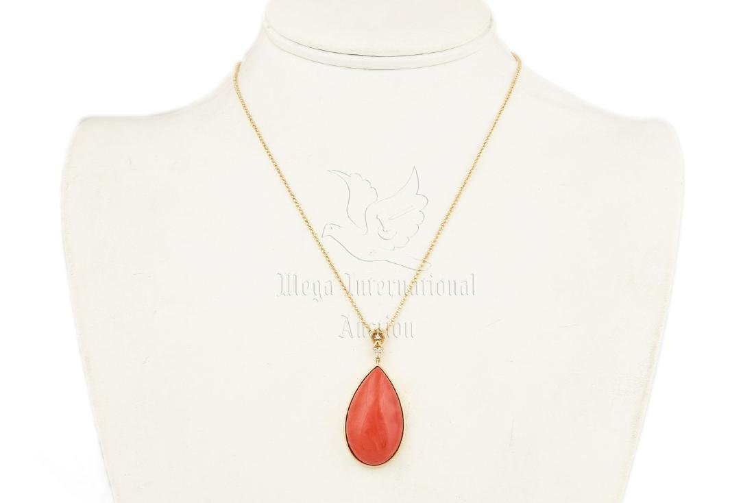 RED CORAL PENDANT WITH 18K YG NECKLACE