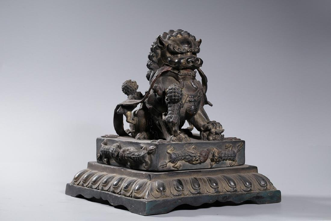 PAIR OF BRONZE CAST 'FUU DOGS' FIGURES - 2