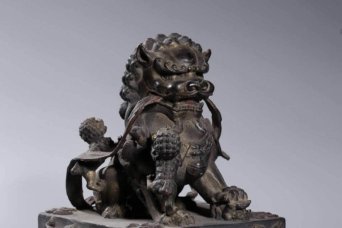 PAIR OF BRONZE CAST 'FUU DOGS' FIGURES - 3