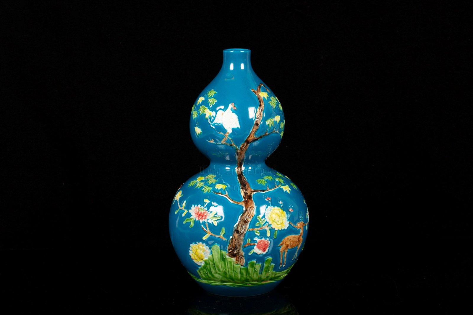 BLUE GLAZED AND PAINTED 'FLOWERS' DOUBLE GOURD VASE