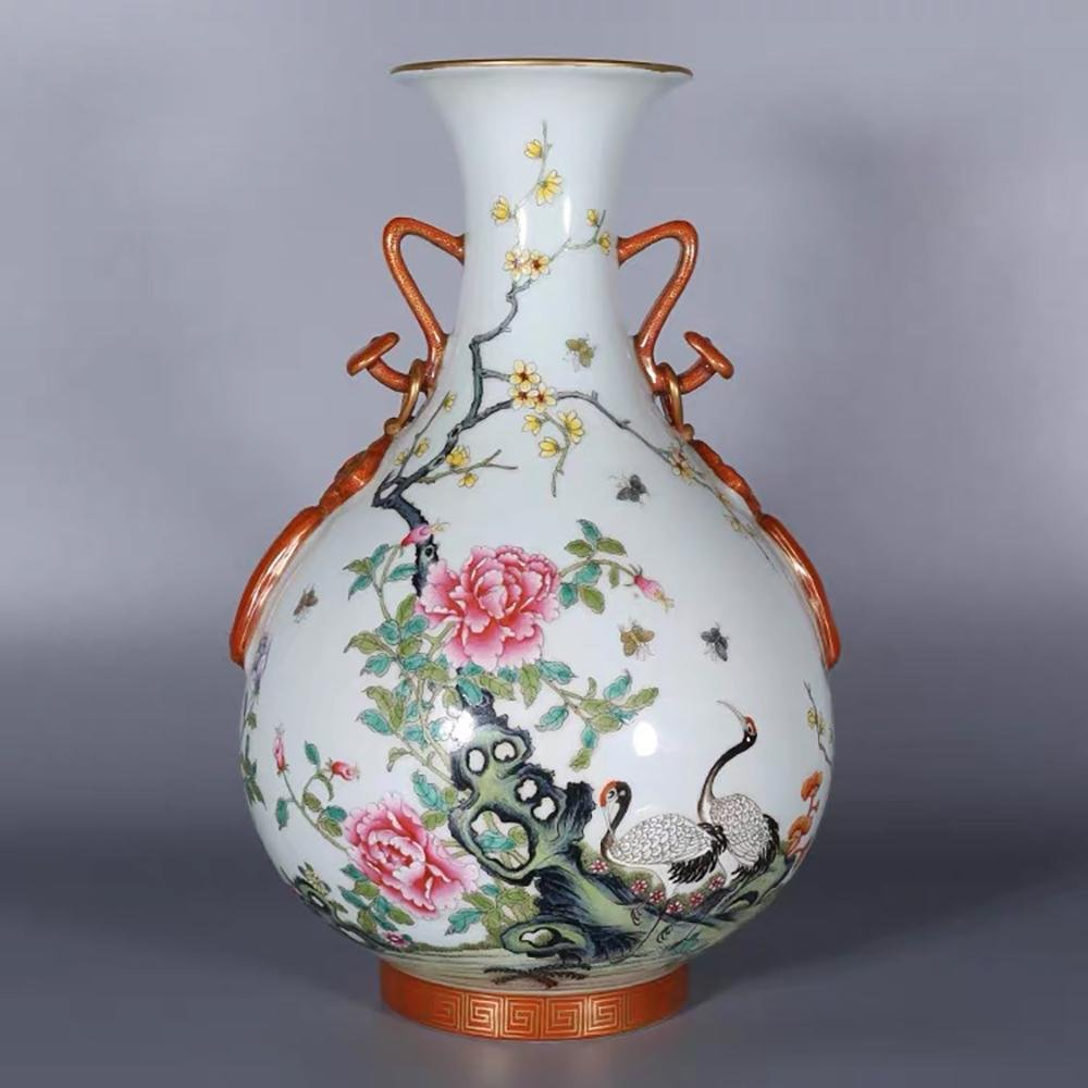 A CHINESE FAMILLE ROSE PAINTED PORCELAIN DOUBLE EARS