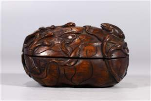 ALOE WOOD CARVED 'LOTUS FLOWERS' OVOID BOX WITH COVER