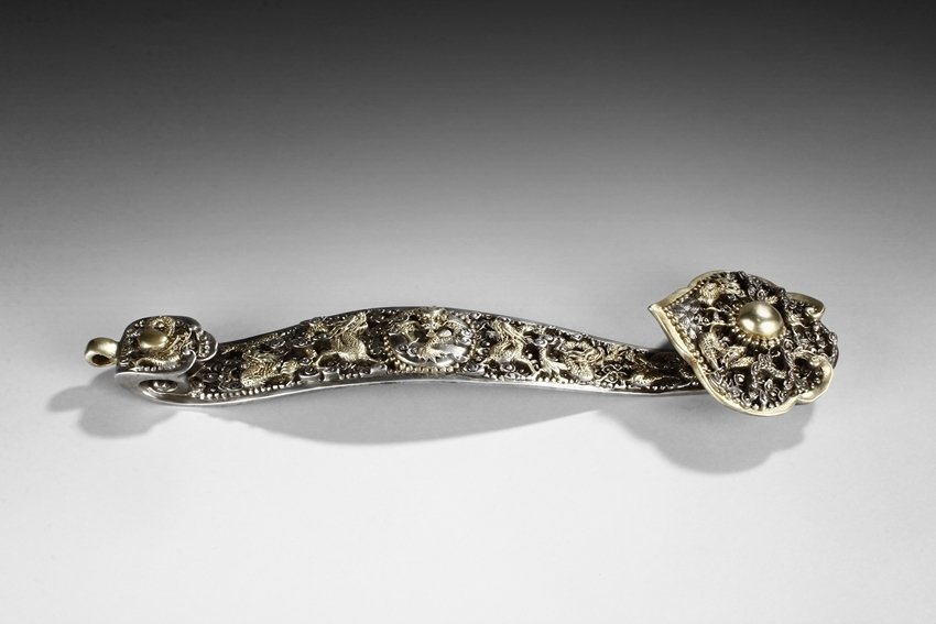 A GILT BRONZE 'DRAGONS' RUYI SCEPTER