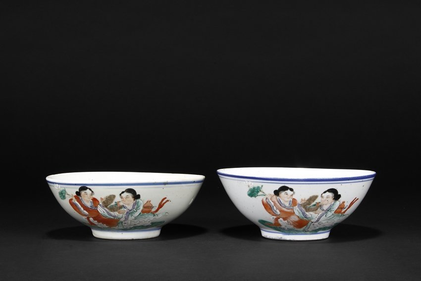 A PAIR OF FAMILLE ROSE 'HE HE ER XIAN' BOWLS