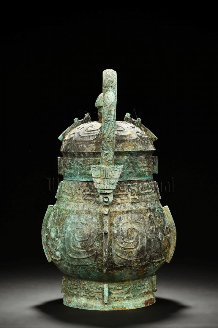 ARCHAIC BRONZE VESSEL WITH LID AND HANDLE - 2