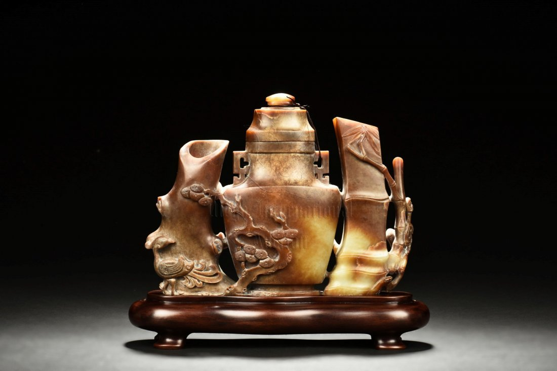 JADE CARVED 'BAMBOO AND VASE' FIGURAL GROUP - 2