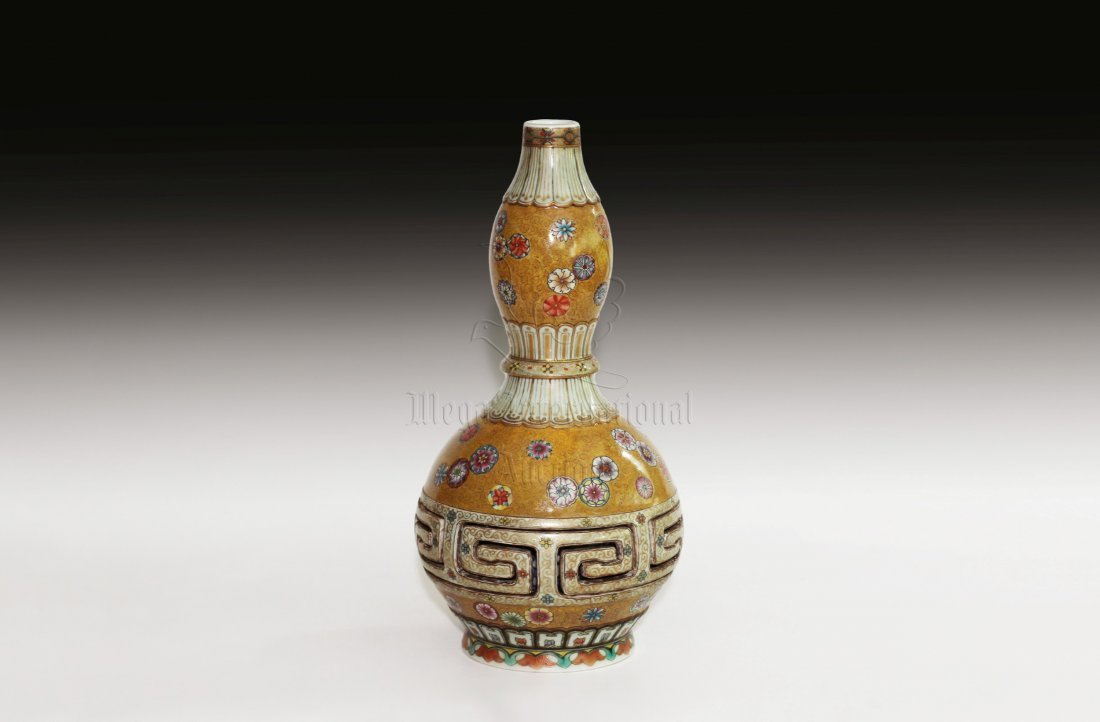 FAMILLE ROSE DOUBLE GOURD COMBINATION VASE - 2