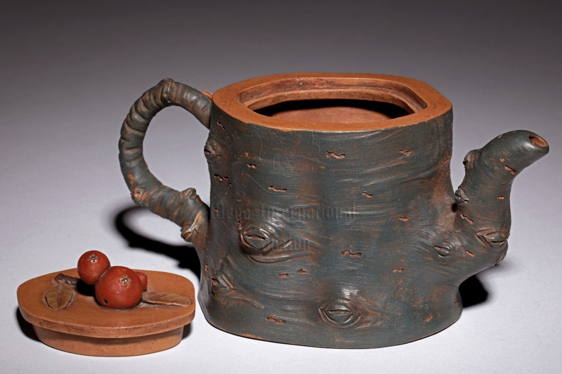 YIXING ZISHA 'TREE TRUNK' TEAPOT - 3