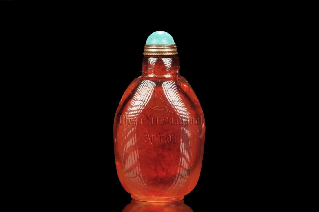RED AMBER SNUFF BOTTLE