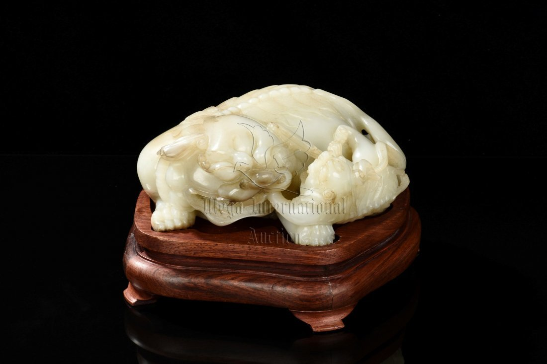 WHITE JADE CARVED 'MYTHICAL LIONS' FIGURE