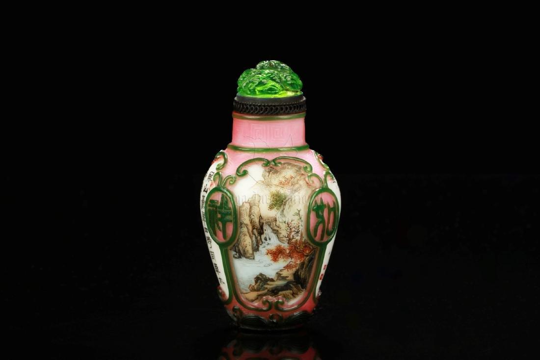 FAMILLE ROSE GLASS OVERLAY 'LANDSCAPE' SNUFF BOTTLE