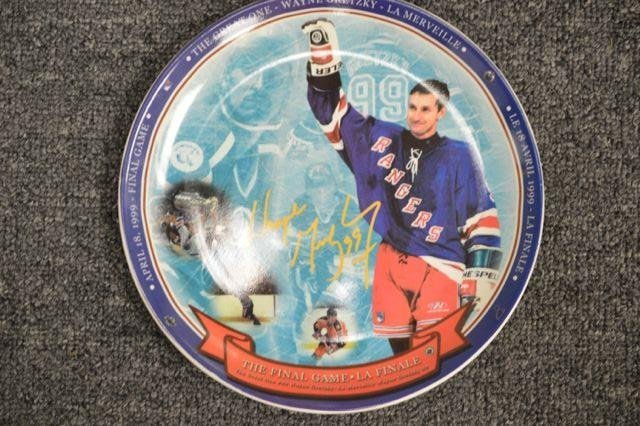 Wayne Gretzky - Final Wave LE Collector plate in fine