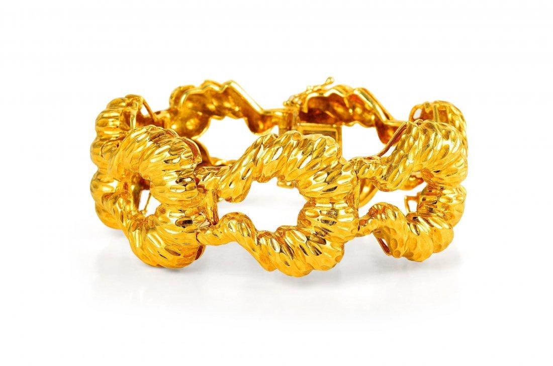 A Retro Gold Bracelet