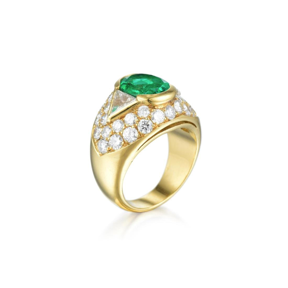 An Emerald and Diamond Ring - 2