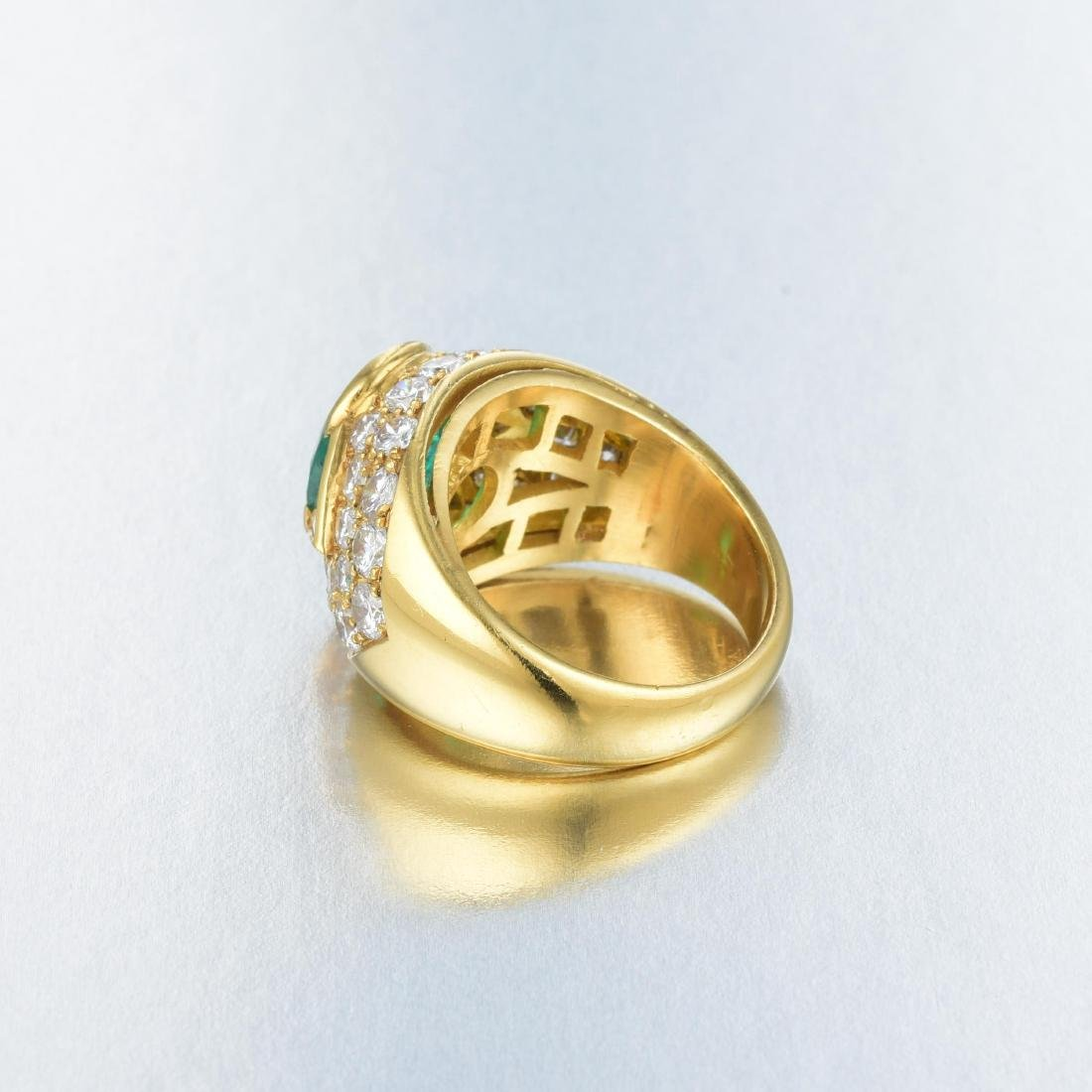 An Emerald and Diamond Ring - 3