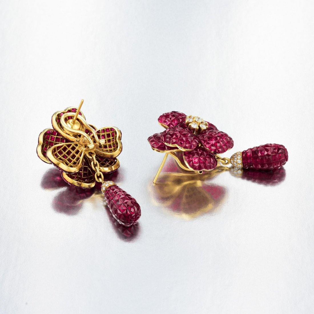 A Pair of Invisibly-Set Ruby Earrings - 3