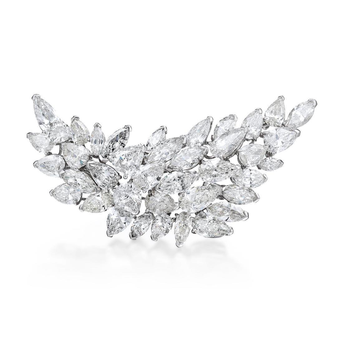 A Diamond Cluster Platinum Brooch