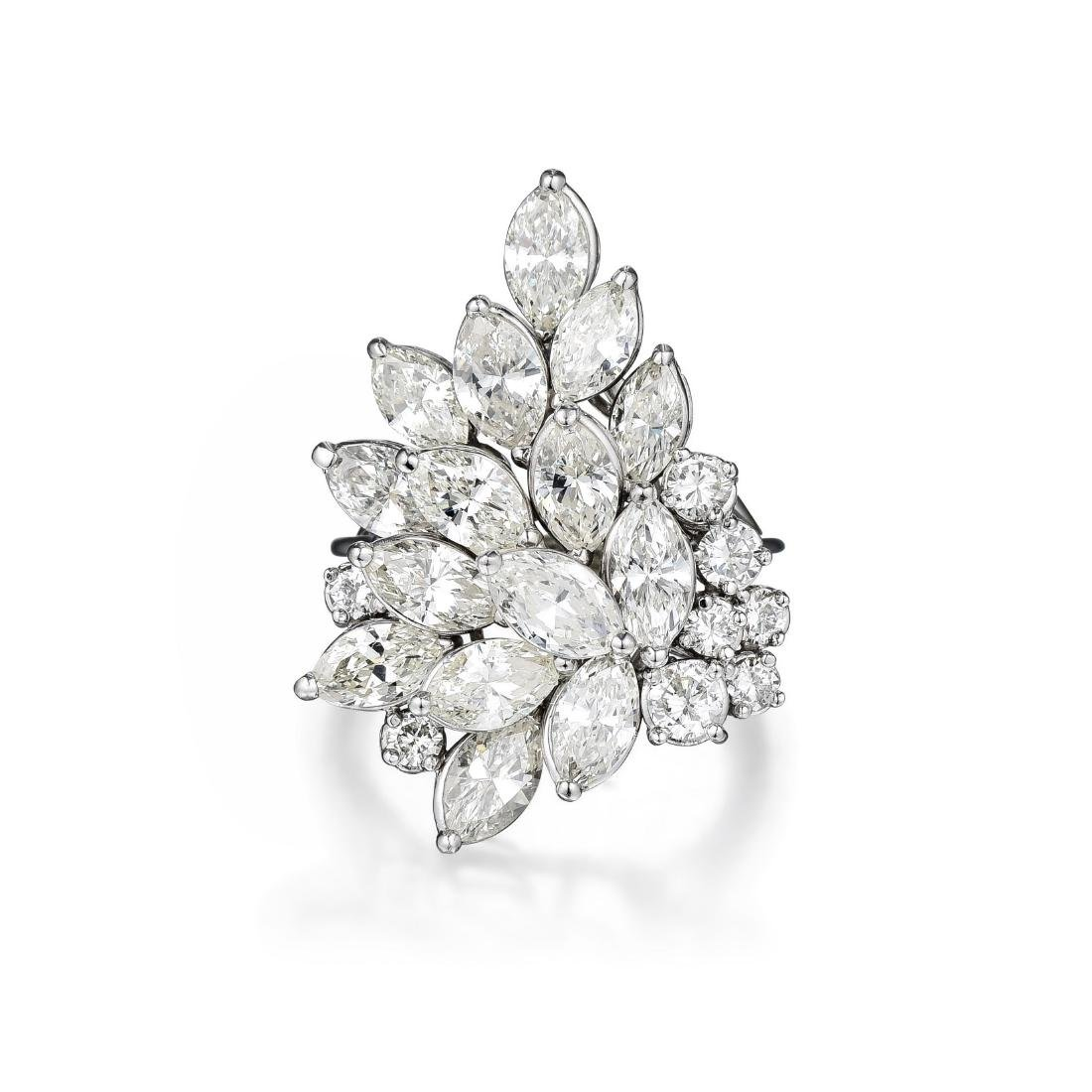 A Cluster Diamond Ring