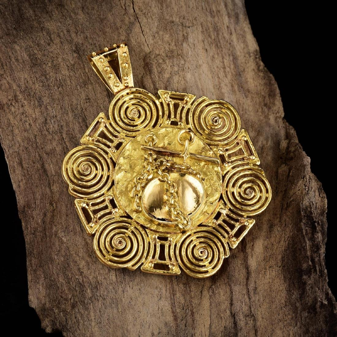 Van Cleef & Arpels Gold Pendant