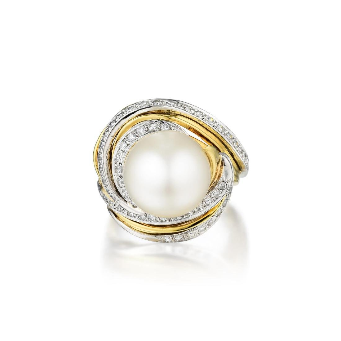 An 18K Gold South Sea Pearl and Diamond Ring
