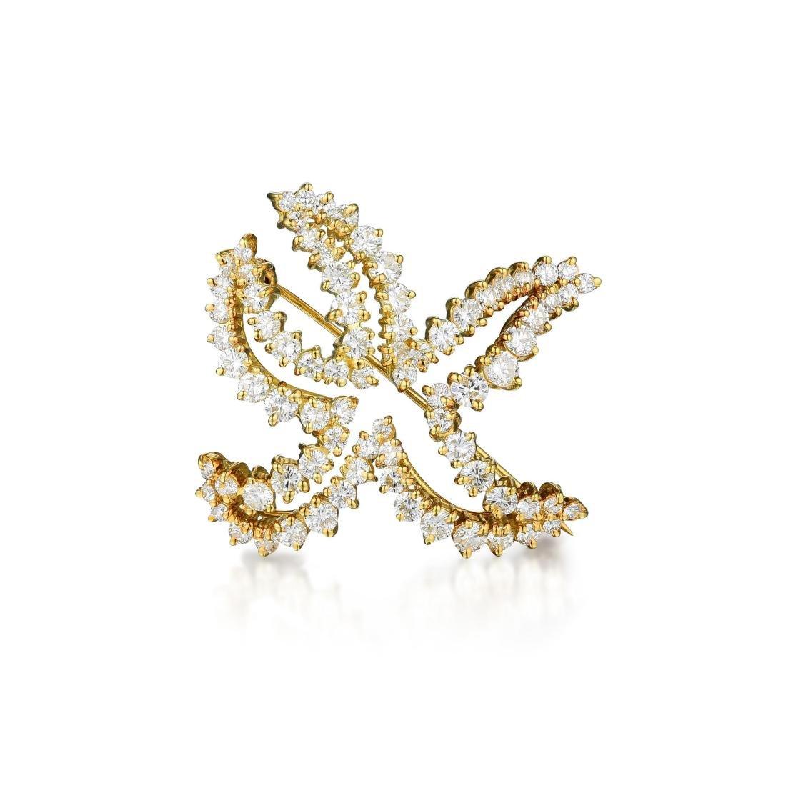 A 18K Gold Diamond Starfish Brooch
