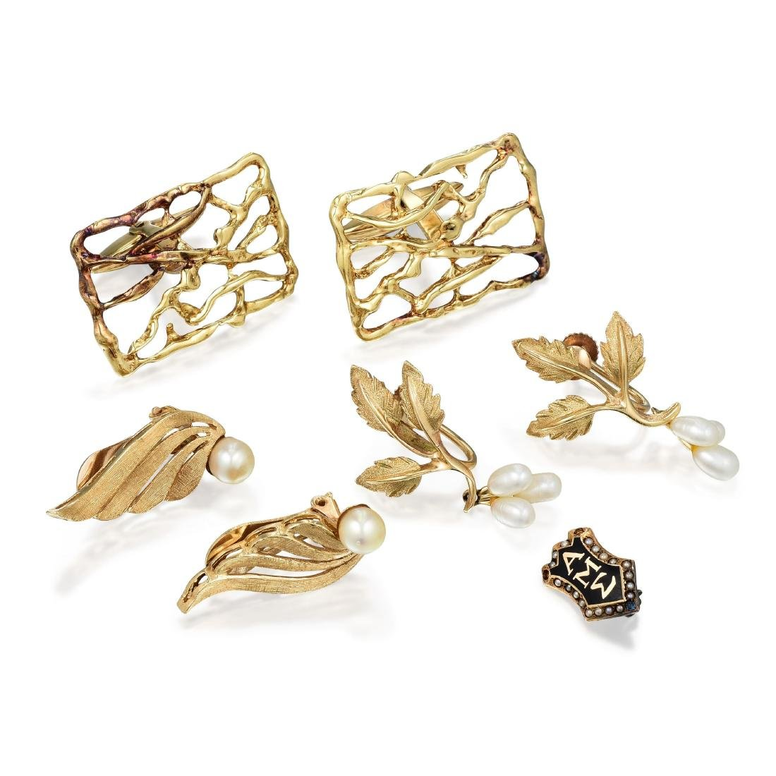 A Group of 14K Gold Jewelry