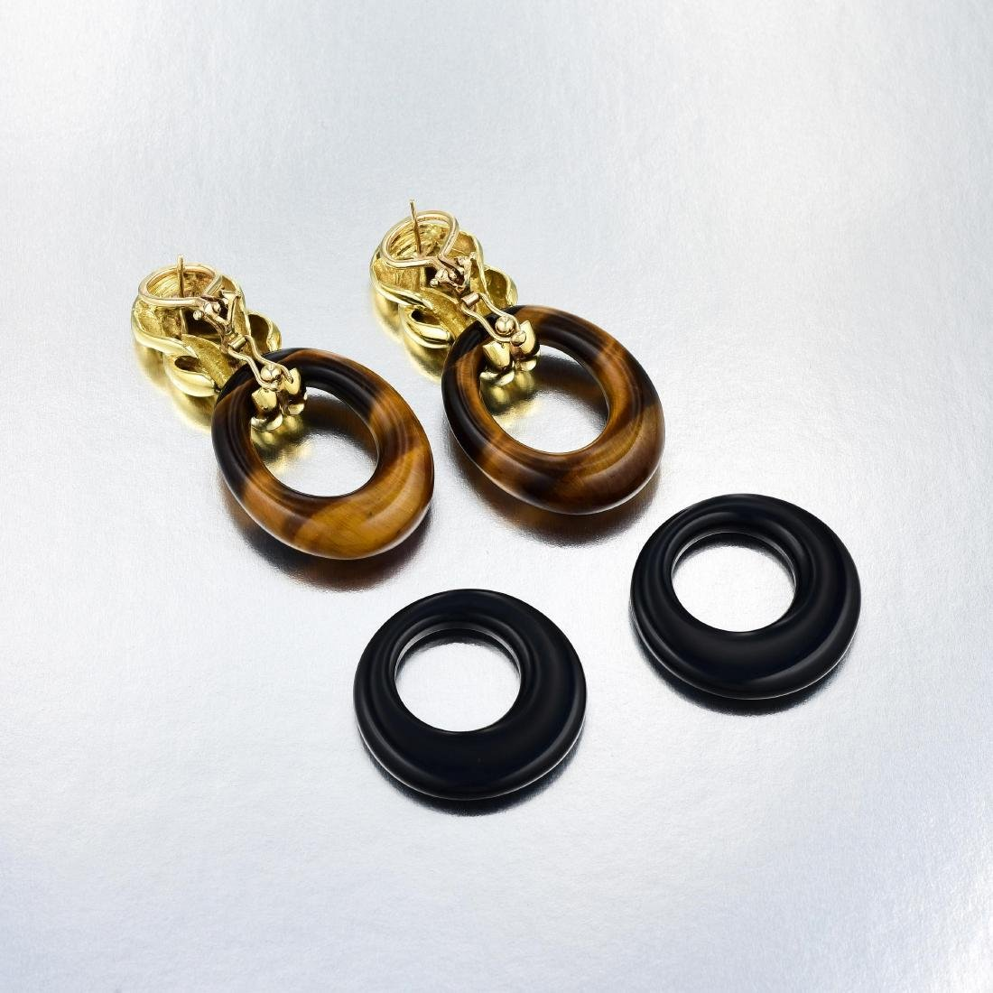 A Pair of 18K Gold Earrings with Detachable Hoops - 2