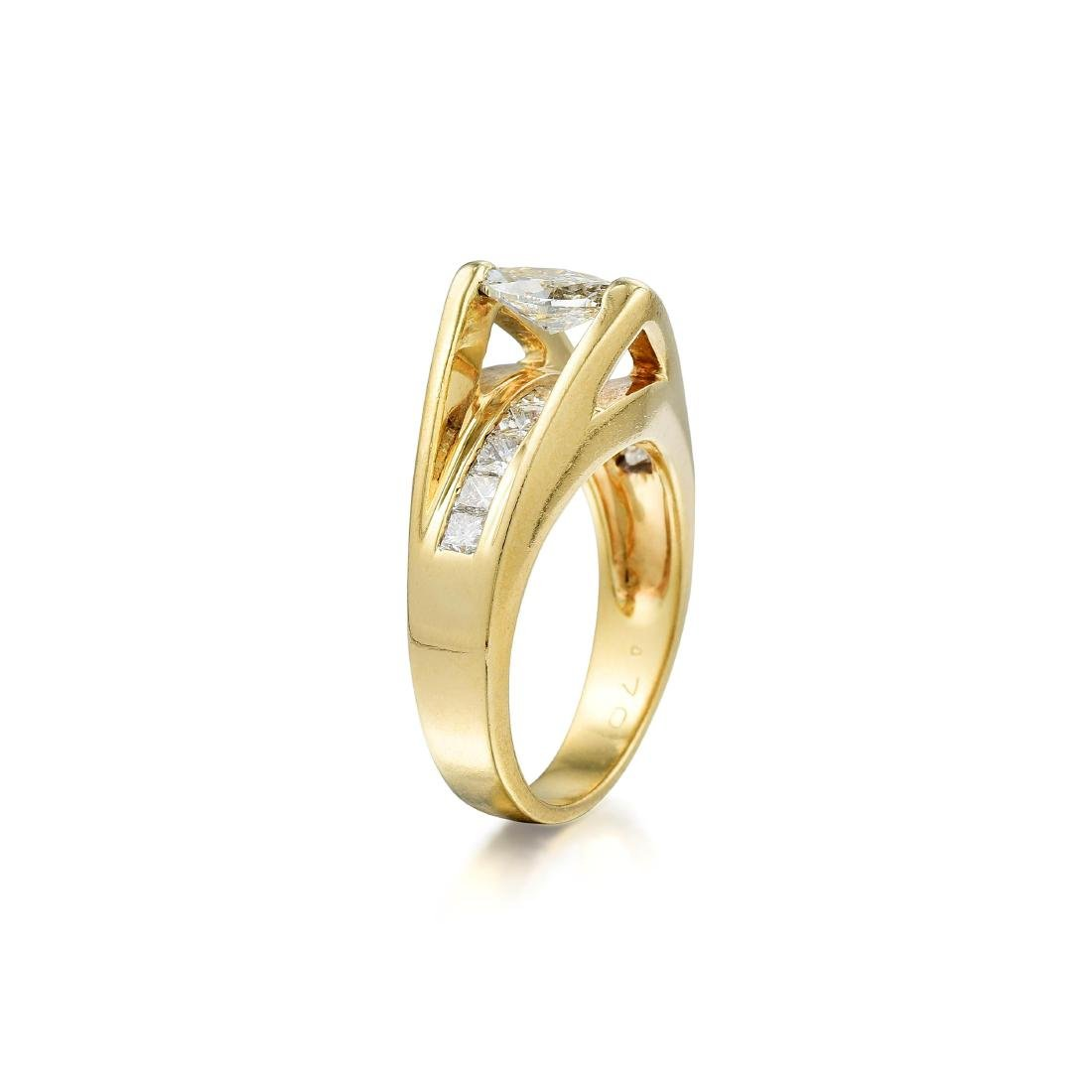 A 14K Gold Marquise Diamond Ring - 2