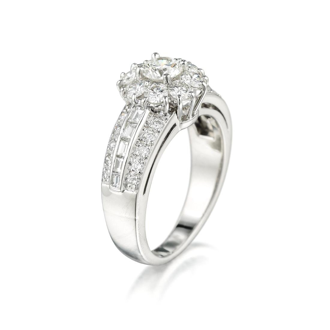 Van Cleef & Arpels Snowflake Diamond Ring - 2