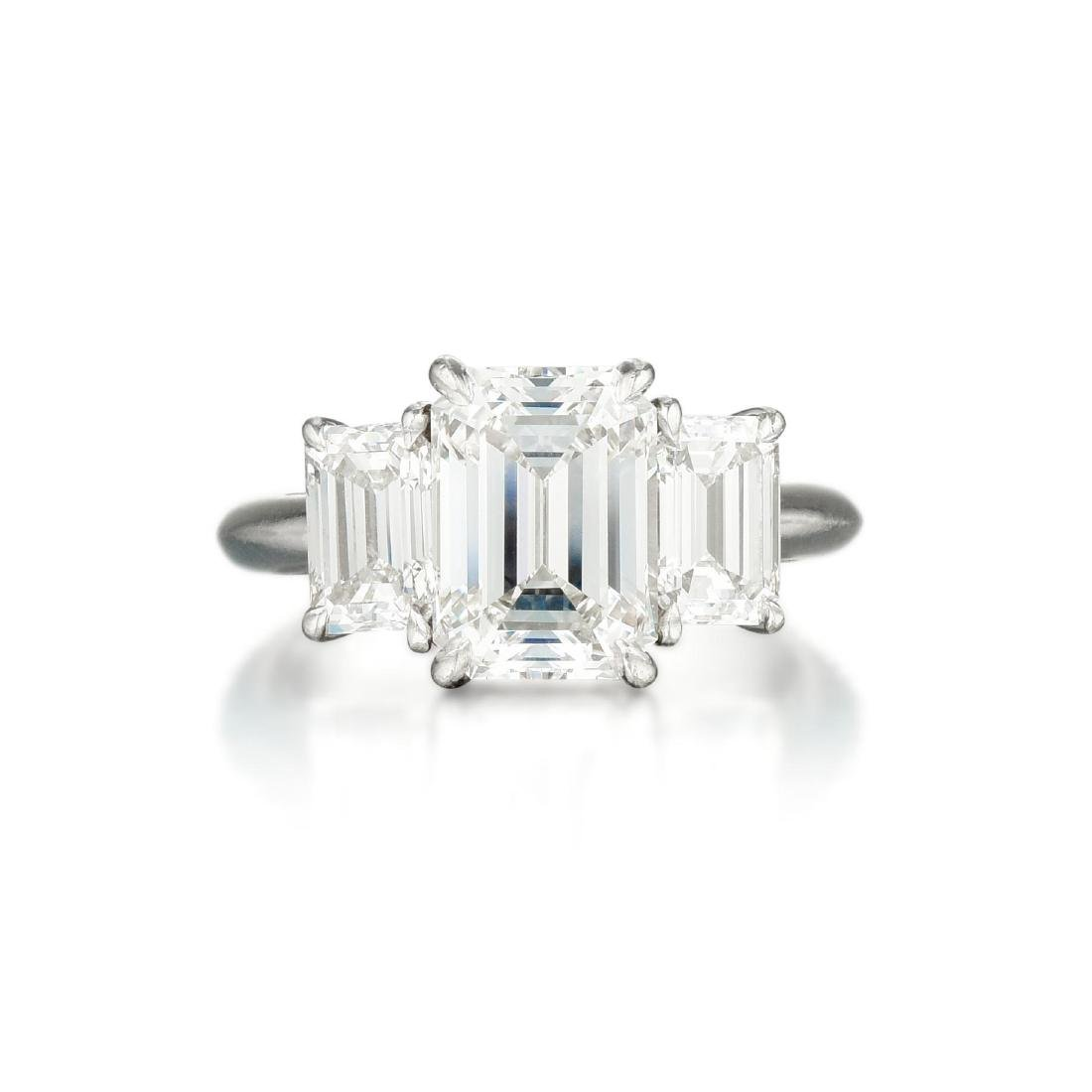 A Three-Stone Diamond Ring, 4.10 CTW