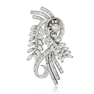 A Diamond Leaf Pendant