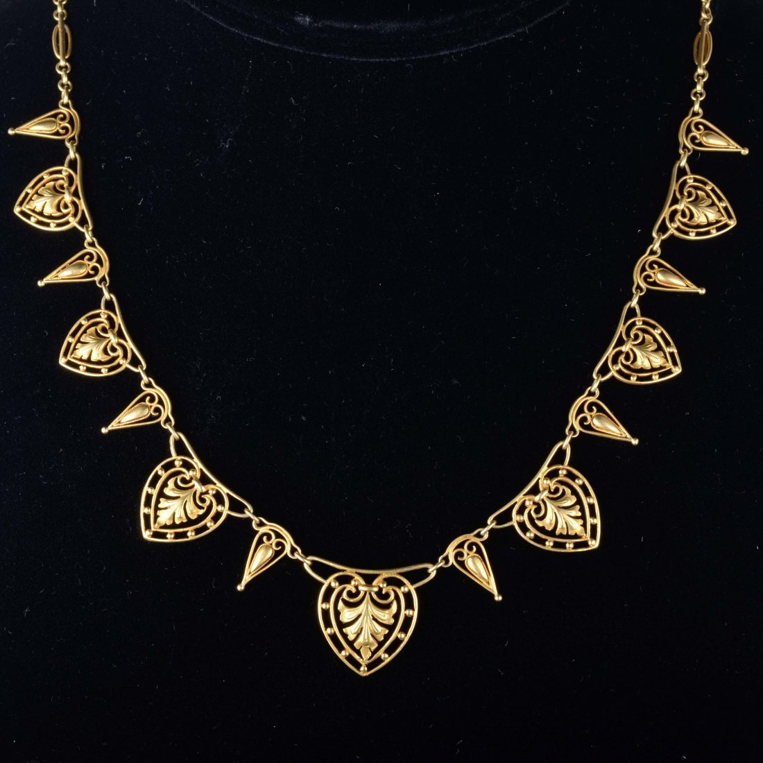 French Art Nouveau yellow gold necklace