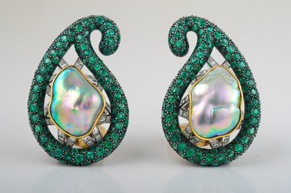 Christopher Walling Emerald Pearl Earclips