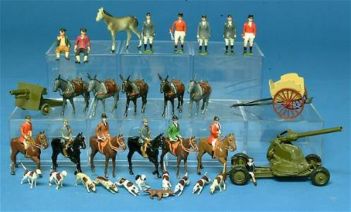118: Lot: Britains incl Fox Hunt set, Burros, Artillary