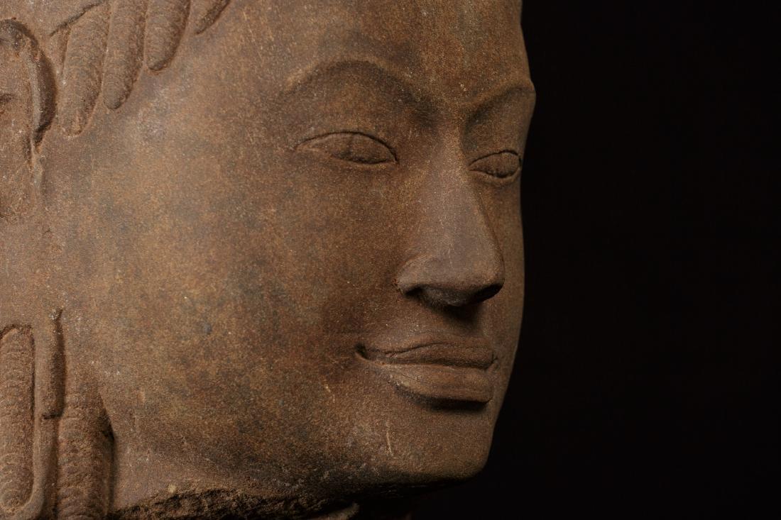 17th-18th Century Sandstone Vishnu Head - Protector & - 7