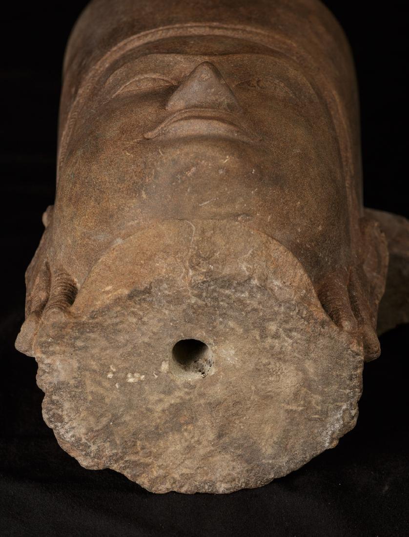 17th-18th Century Sandstone Vishnu Head - Protector & - 9