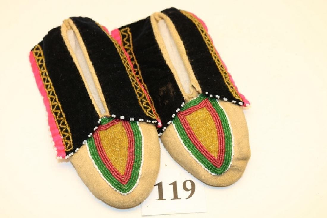 Pair Delaware Childs Moccasins