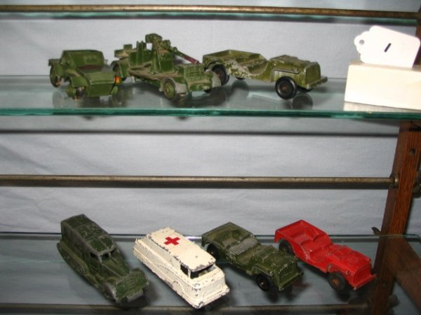 1: 7 Mixed Group of Army Vehicles