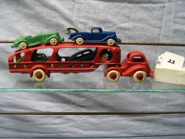 "22: Hubley 10"" Car Transport with 4 Cars"