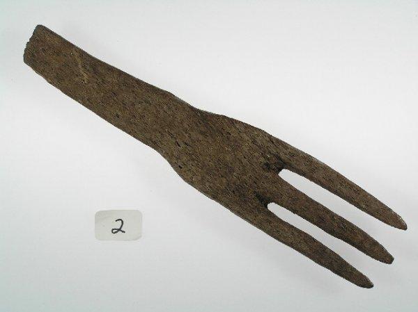 2: Wooden 3 Prong Fork