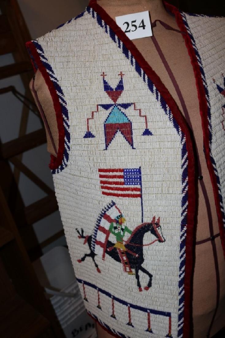 Sioux Large Pictorial Man's Vest - 2