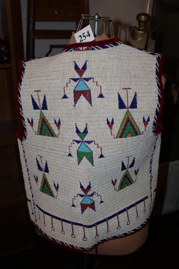 Sioux Large Pictorial Man's Vest - 3