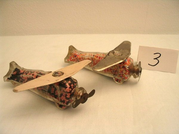 3: 2pcs Airplane