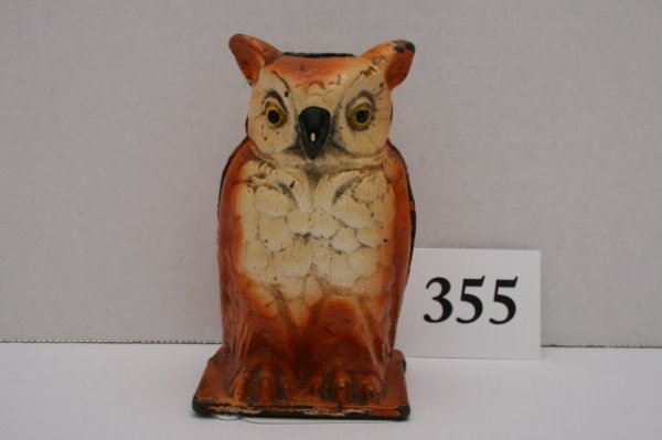 355: Vindex Cast Iron Owl Bank