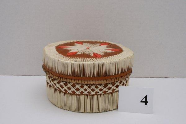 4: Quilled Star Pattern Lidded Basket