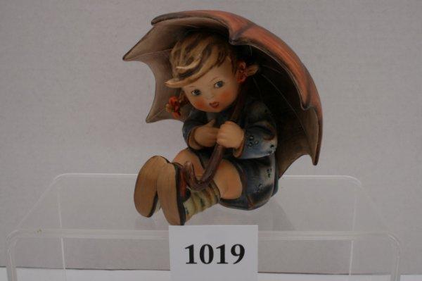 1019: Hummel Umbrella Girl