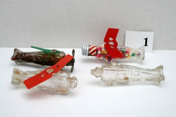 1: 4 Airplane Candy Containers