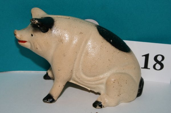 18: Hubley Seated Pig