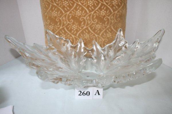 260A: Large leaf pattern bowl